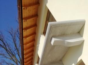Mensole in Beola Favalle anticata - lastra balcone in Beola Favalle anticata con costa 1/2 toro anticata